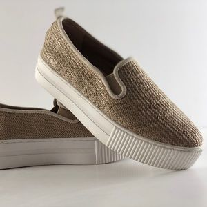 d0dd5a1dedf Halogen Shoes - NWOT Halogen Baylee Platform Slip-On Sneaker